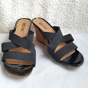 Kenneth Cole Reaction Black Wedge Sandals 7.5